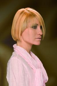 #ilsalonediviamessina #isargassi #capelli#frangia#ASIMMETRICA#BIONDO